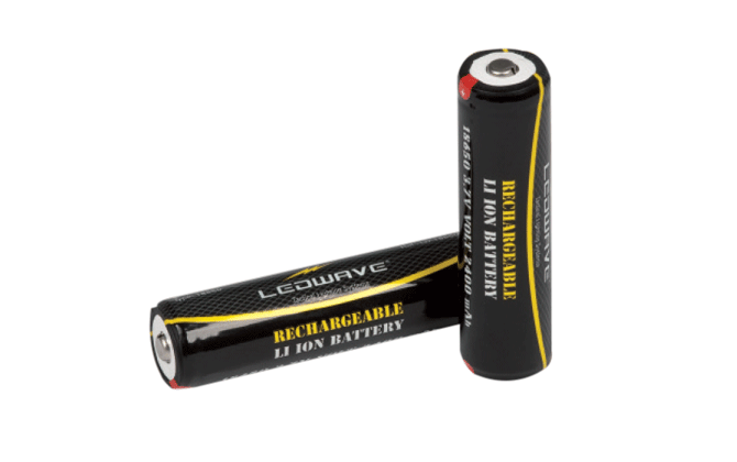 Rechargeable Lithium Battery 18650 - 3,7 V -2400 mAh